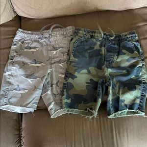 2 pairs of Gap kids shorts